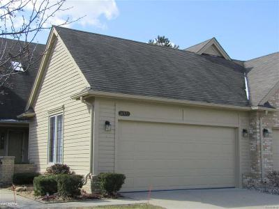 Macomb Twp Condo/Townhouse For Sale: 16973 Driftwood