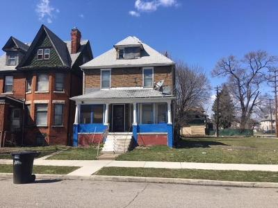 Detroit Single Family Home For Sale: 445 Smith