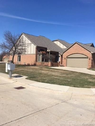 Shelby Twp Condo/Townhouse For Sale: 2555 Marissa