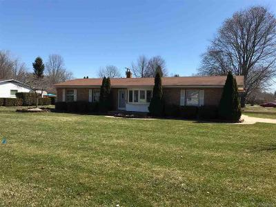 Shelby Twp Single Family Home For Sale: 56118 Bellford