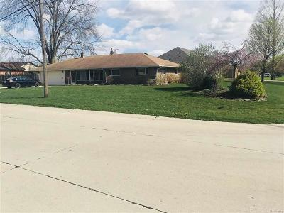 STERLING HEIGHTS Single Family Home For Sale: 5200 Creek Dr
