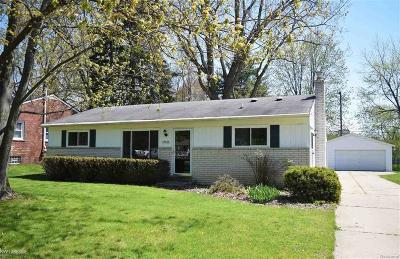 Shelby Twp Single Family Home For Sale: 47400 Ladd Avenue