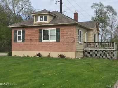 MACOMB Single Family Home For Sale: 52980 North Avenue