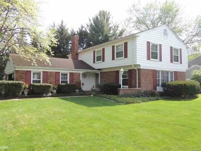 Birmingham, Bloomfield Hills Single Family Home For Sale: 798 N Shady Hollow Circle