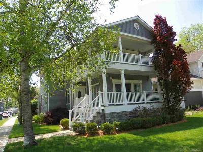 ROYAL OAK Single Family Home For Sale: 216 E Kenilworth Ave