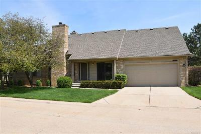 MACOMB Condo/Townhouse For Sale: 16651 Shale Ct