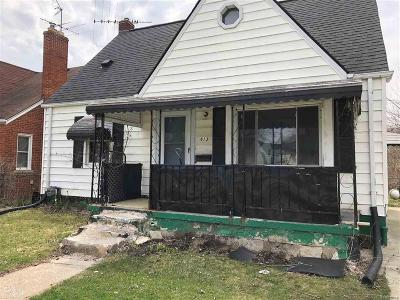 Madison Heights MI Single Family Home For Sale: $89,900