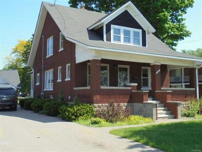 Utica Single Family Home For Sale: 8441 Canal