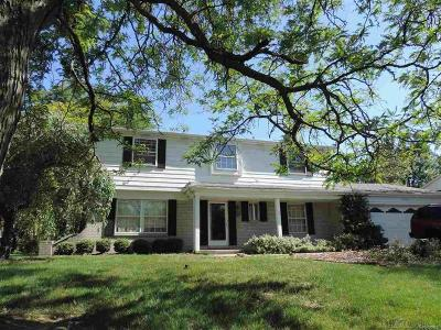 West Bloomfield Single Family Home For Sale: 5568 Abington