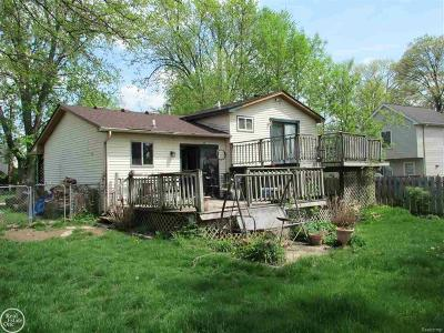 Waterford, West Bloomfield Twp, Independence Twp, Clarkston Single Family Home For Sale: 1220 Bamford Dr