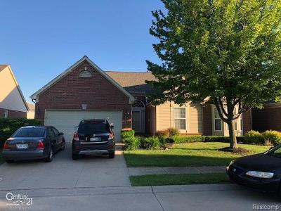 Sterling Heights Condo/Townhouse For Sale: 4162 Gardenia Dr