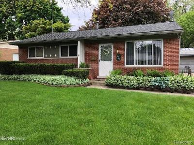 Plymouth Single Family Home Sold: 11705 Riverside