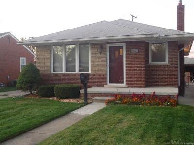 Warren, Eastpointe, Roseville, St Clair Shores, Clinton Township, Harrison Twp Single Family Home For Sale: 18027 Holland