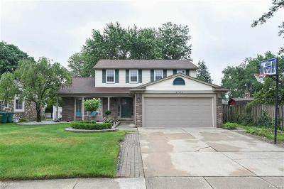 Macomb Twp Single Family Home For Sale: 47572 Lexington Drive