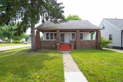 Warren, Eastpointe, Roseville, St Clair Shores Single Family Home For Sale: 22172 Lambercht Ave