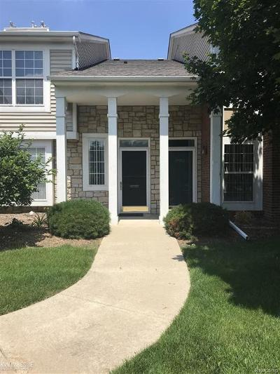Macomb Twp Condo/Townhouse For Sale: 44937 Marigold Dr