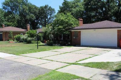 Fraser Single Family Home For Sale: 16400 Erin