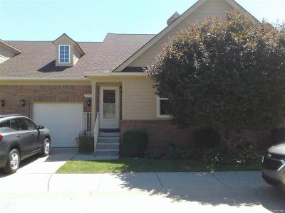 Clinton Twp Condo/Townhouse For Sale: 42320 Lorenzo