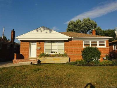 Madison Heights Single Family Home For Sale: 28440 Palmer