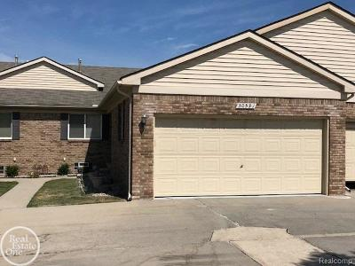Chesterfield Twp Condo/Townhouse For Sale: 30591 Victoria Ct