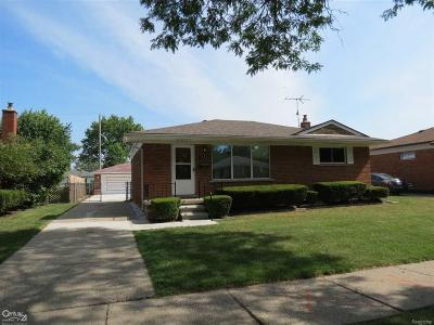 Madison Heights Single Family Home For Sale: 1577 Beverly Ave