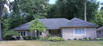 Shelby Twp Single Family Home For Sale: 48780 Golden Oaks