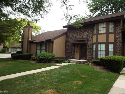 Southfield Condo/Townhouse For Sale: 25034 Oakbrooke