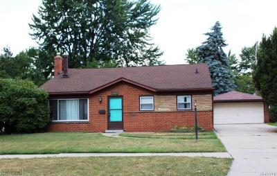 Madison Heights MI Single Family Home For Sale: $179,000