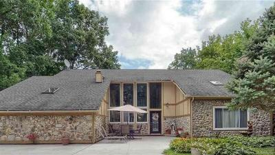 Troy Single Family Home For Sale: 6436 Montclair