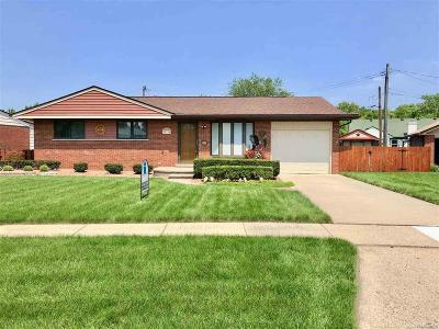 Shelby Twp, Utica, Sterling Heights, Clinton Twp Single Family Home For Sale: 39734 Rambler