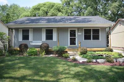 St Clair Shores, Roseville, Fraser, Clinton Twp, Harrison Twp Single Family Home For Sale: 34255 Genereaux