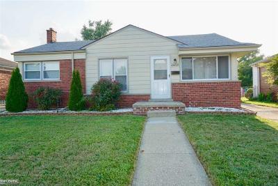 St Clair Shores, Roseville, Harrison Twp, Fraser Single Family Home For Sale: 28439 Groveland