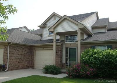 Auburn Hills Condo/Townhouse For Sale: 111 S Vista