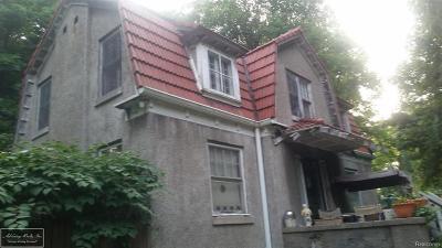 St Clair Shores, Roseville, Harrison Twp, Fraser Single Family Home For Sale: 24960 Crocker Blvd