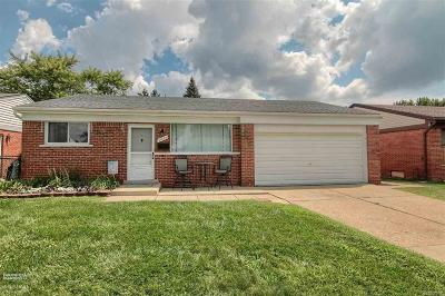 Macomb County Single Family Home For Sale: 31626 Stricker