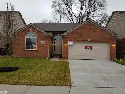 Shelby Twp MI Single Family Home For Sale: $315,900