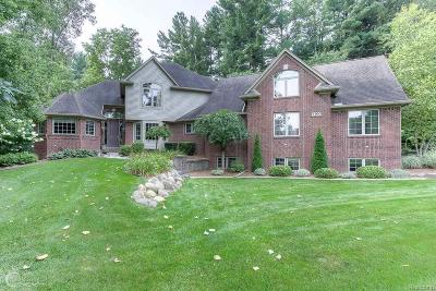 Washington Twp Single Family Home For Sale: 7100 Old Coach Trl