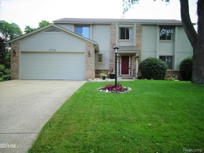 Commerce, Commerce Township, Commerce Twp Single Family Home For Sale: 2701 Lauryl