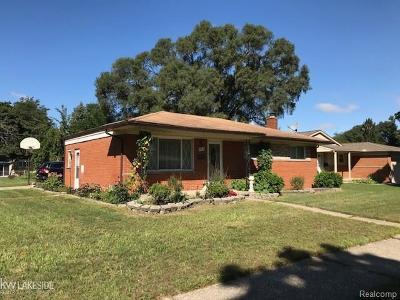 Warren Single Family Home For Sale: 27215 Thomas