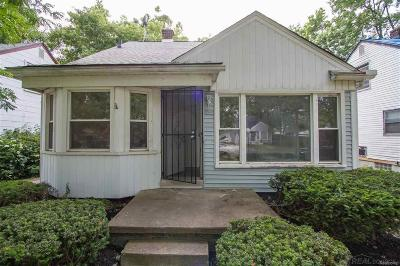 Detroit Single Family Home For Sale: 18659 Gilchrist