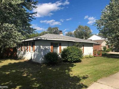 Troy Single Family Home For Sale: 2239 E Maple