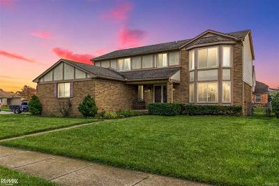 Macomb Twp Single Family Home For Sale: 15792 Williamsburg