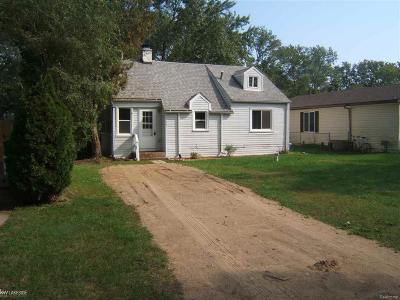 Oxford Single Family Home For Sale: 795 Hilberg