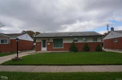 St Clair Shores, Roseville, Fraser, Harrison Twp Single Family Home For Sale: 31439 Northwood