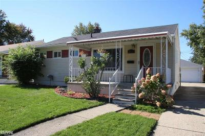 St Clair Shores, Roseville, Fraser, Harrison Twp Single Family Home For Sale: 26101 Compson St.