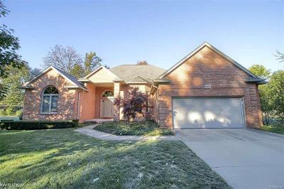 St Clair Shores, Roseville, Fraser, Harrison Twp Single Family Home For Sale: 39363 Pineridge