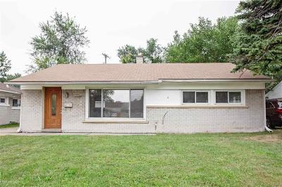 Madison Heights MI Single Family Home For Sale: $117,500