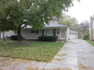 Sterling Heights Single Family Home For Sale: 39359 Edgevale