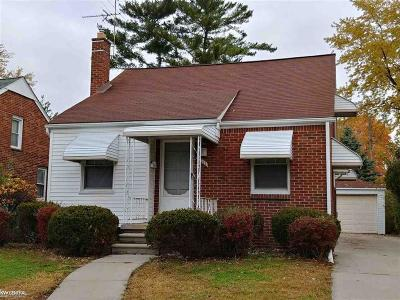 Eastpointe Single Family Home For Sale: 14717 Lydia
