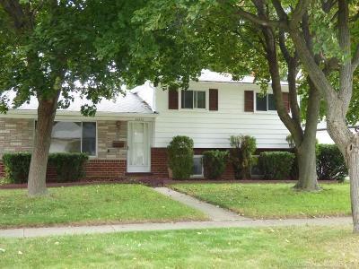 Warren Single Family Home For Sale: 32656 Gloede